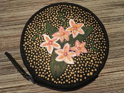 KRISTINE: black circle leather wallet