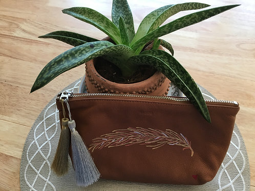 LYNNE: brown leather cosmetic pouch