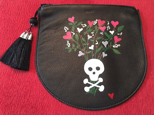 MARNIE: black leather pouch