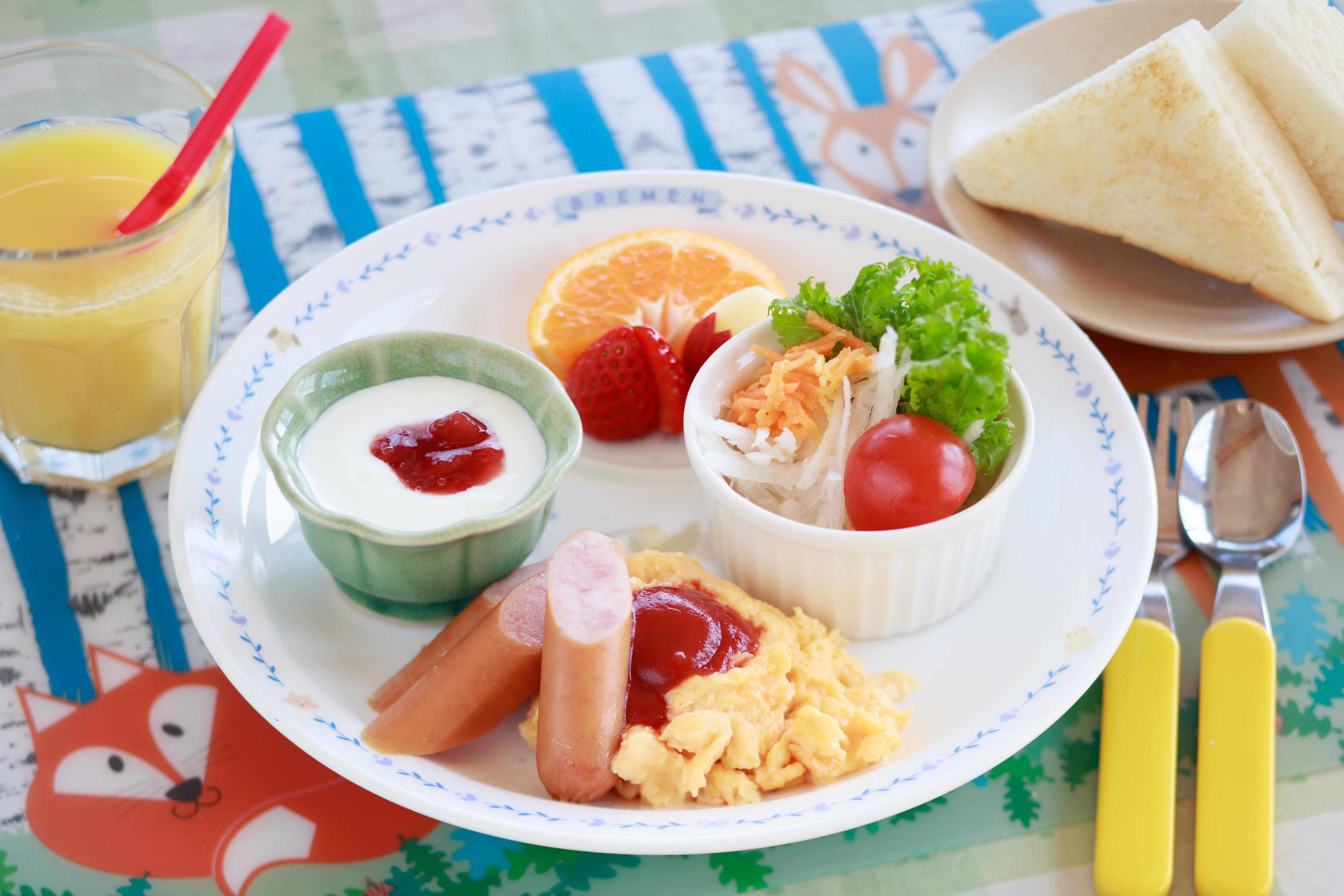 朝食キッズプレートの一例