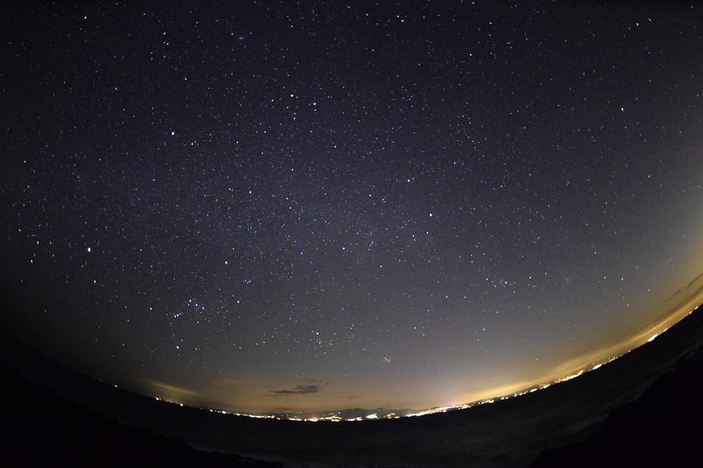 沈みゆく夕日と伊豆半島