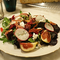 Prosciutto salad with berry