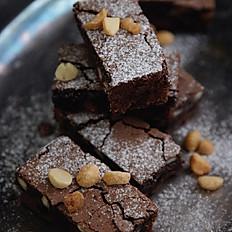 Macadamia brownie