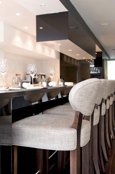 Restaurant Bon-bon: rénovation intérieure contemporaine