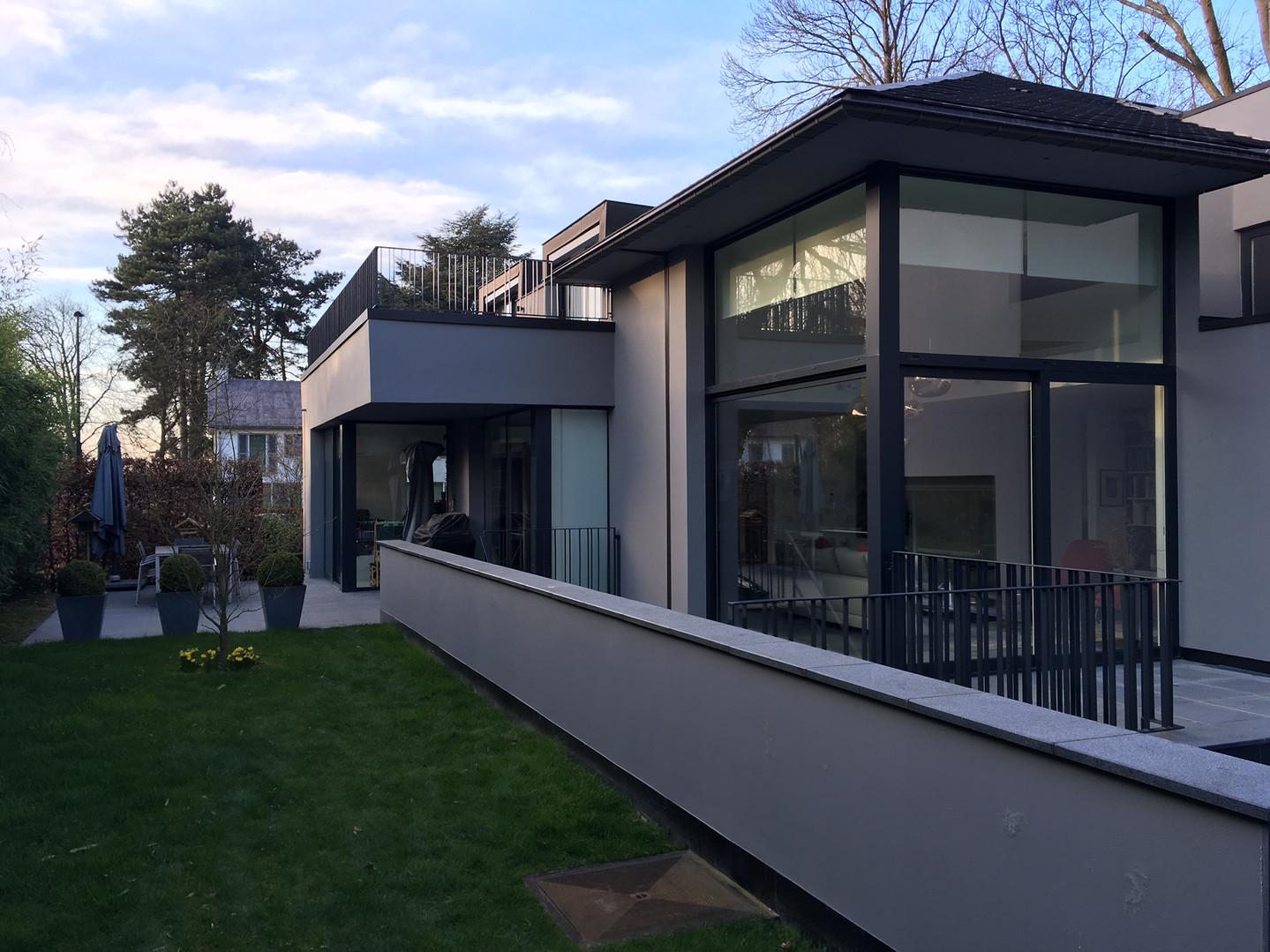 Maison contemporaine à Rhode Saint Genèse