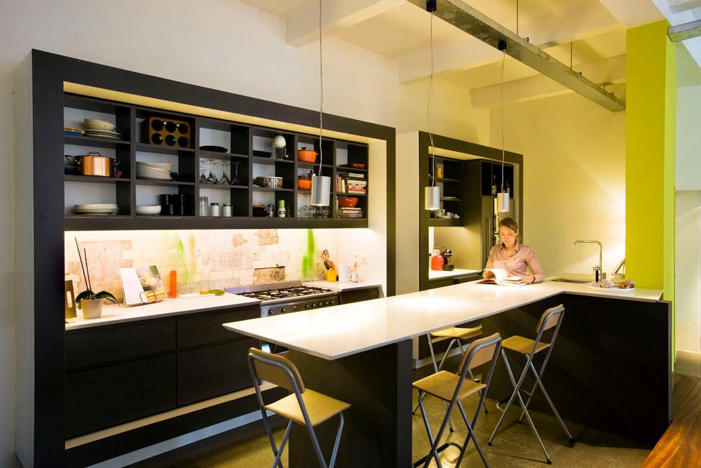 Cuisine contemporaine: rénovation moderne loft à Laeken