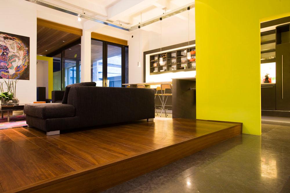 Loft moderne à Laeken: rénovation contemporaine grande espace