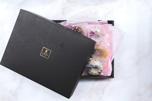 ドーナツ9個入りプレミアムBOX(お花のドーナツ&おつまみドーナツ全種)