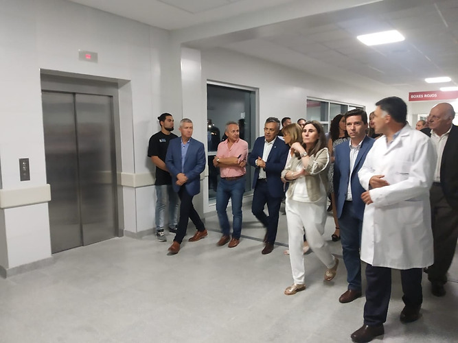 Entrega ascensores Hospital Central
