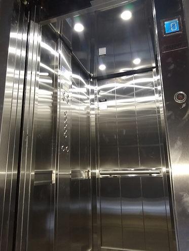 cabina de ascensor sin sala de máquinas