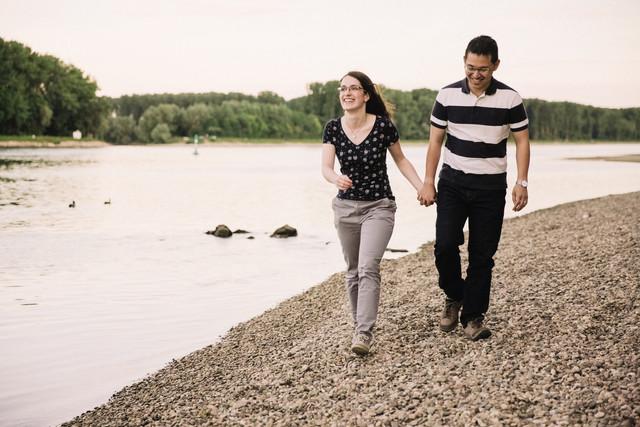 ERik Paul Fotograf Paar am Rheinufer bei