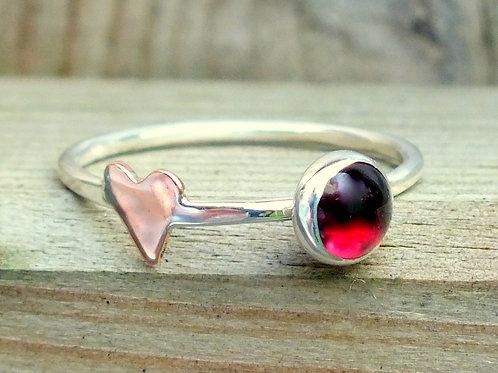 Garnet sillver heart ring