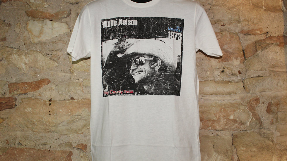 WILLIE NELSON HAS COUNTY TEE