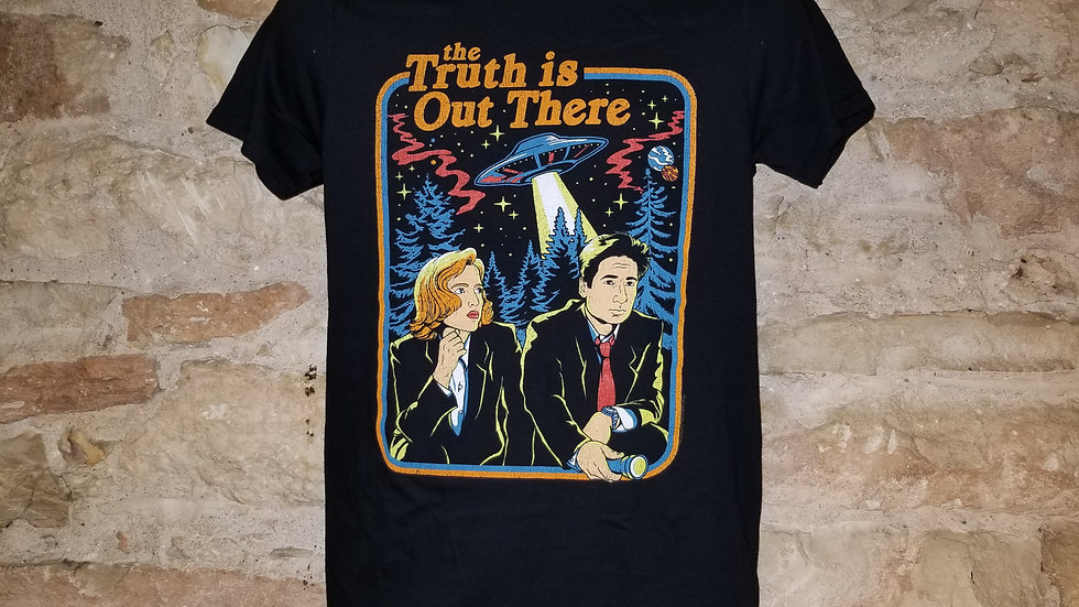 X FILES THE TRUTH IS OUT THERE TEE