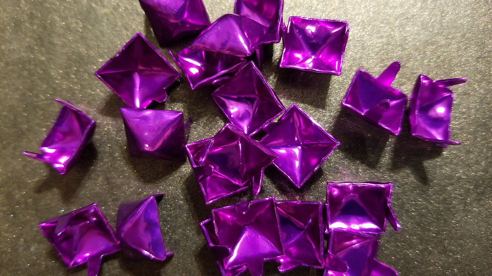 SHINY PURPLE STANDARD SIZE (1/2 inch) PYRAMID STUDS 20 PACK
