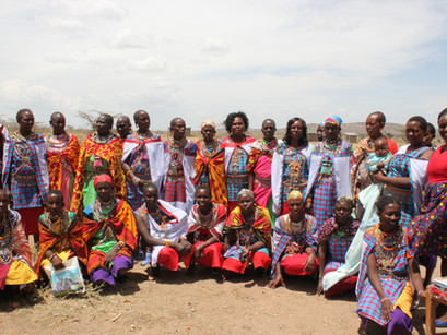 Masai Women's Cooperative, Kenya.. Seeing the Funny Side of Beekeeping For Life