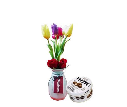 Cerámica blanco con tulipanes,Rosas rojas y Chocolate Vizzio
