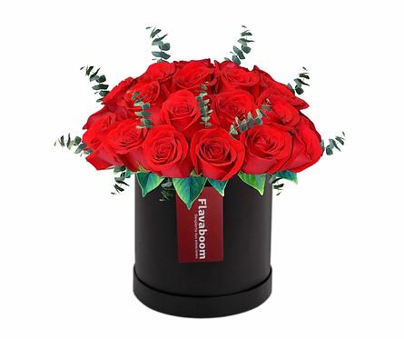 Sombrerera grande negra con 24 Rosas Premium y verdes selectos