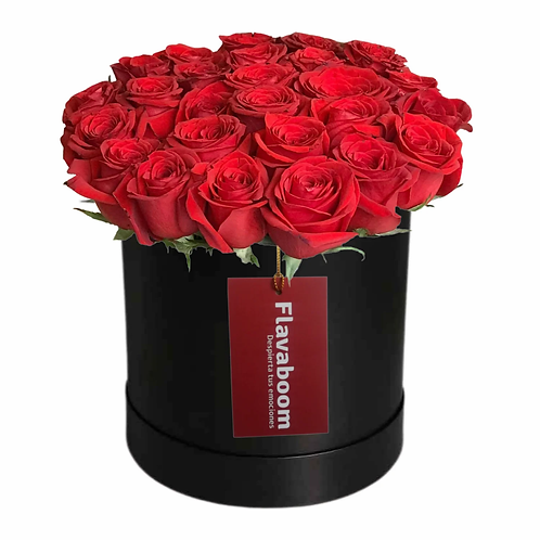 Julieta, sombrerera con 24 rosas rojas PREMIUM