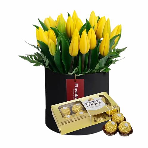 Sombrerera con 20 tulipanes amarillos y Ferrero Rocher