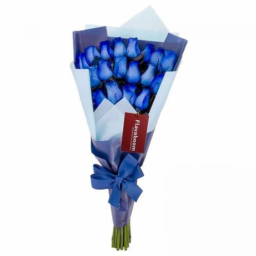 Ramo de rosas extendido con 18 rosas azules