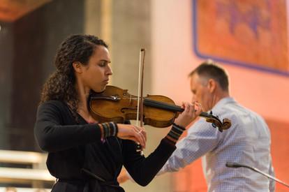 Aischa Gündisch, Violine