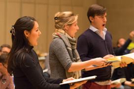 Yuna-Maria Schmidt (Sopran), Julia Stein (Alt) und Frederic Jost (Bass)