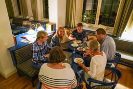 Spätes Abendessen für Stausteher