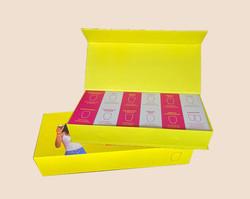 caixa amarela fundo
