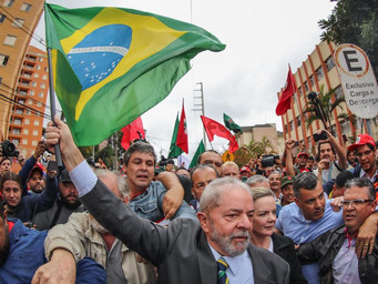 """Lula trata """"inquisidores"""" por """"queridos""""; Mídia seleciona os melhores momentos"""