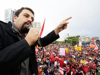 Boulos lança candidatura à presidência da República e Lula deseja boa sorte ao líder do MTST
