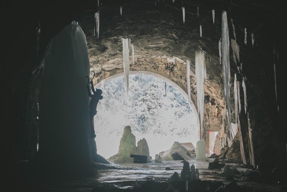 Tunnel Climbing
