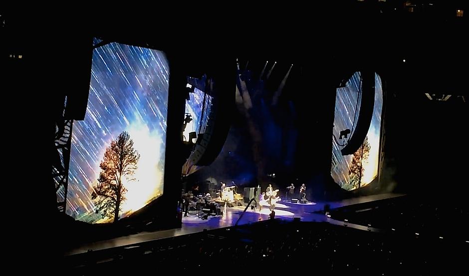 rollingstones concert screen timelapse.p