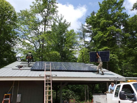 Off the grid solar: Local couple goes with solar power for new home