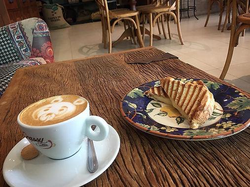 FOTO_4_-_GRASSY_SPAZIO_CAFFÈ.jpg