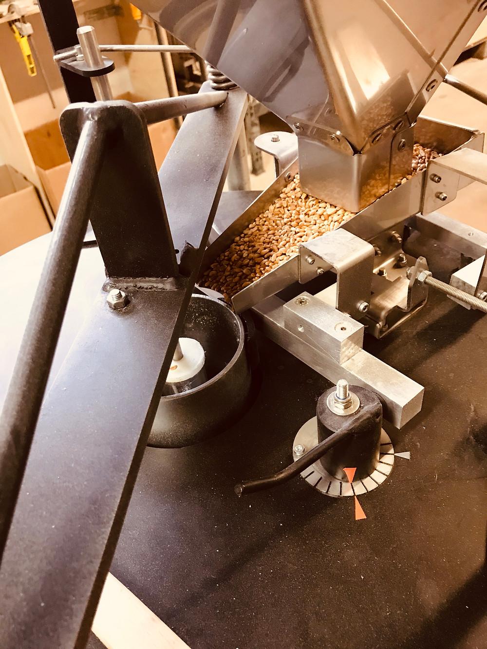 Astréïa Fabricant moulin Astrié à farine professionnel à la ferme