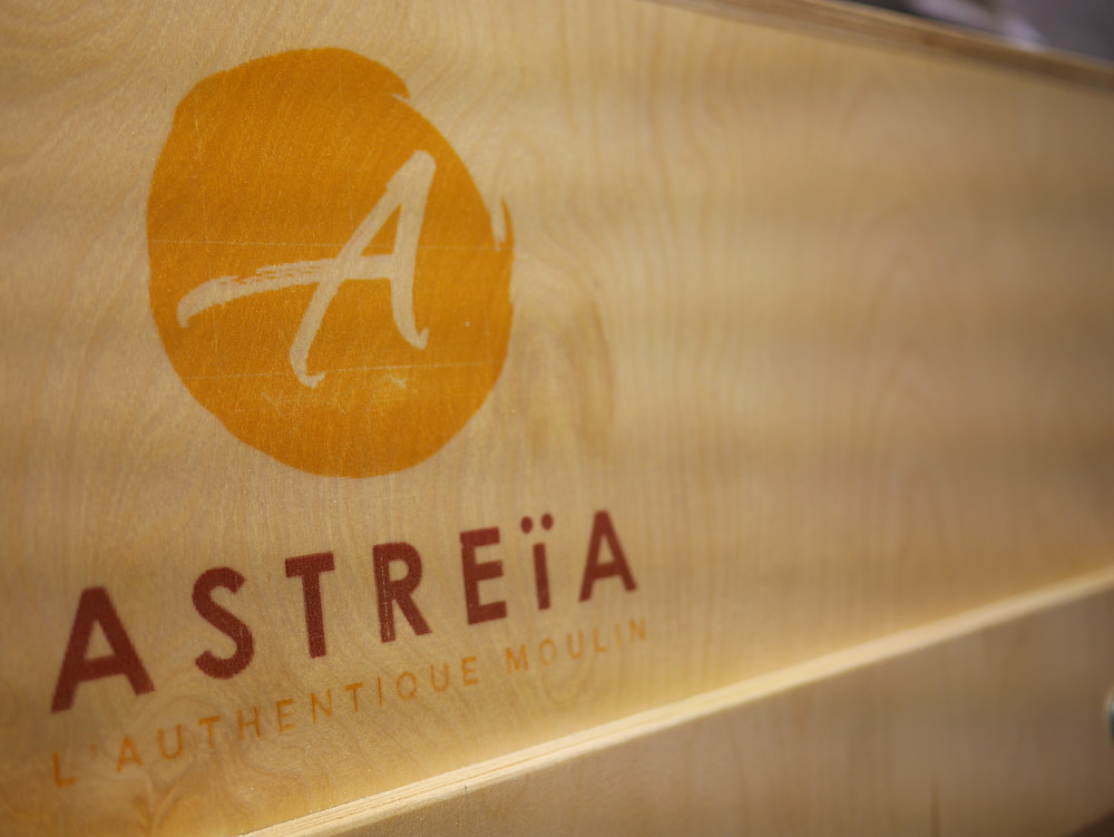 Logo Astreia fabriquant de moulin à meule de pierre Astrié