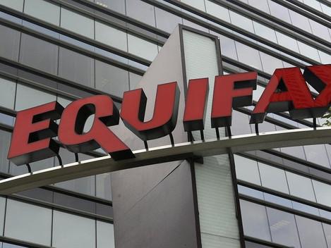 Hackers de Equifax exigen 2,6 millones de dólares en bitcoins para reintegrar data robada