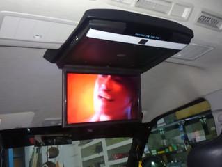 ハイエース ワゴンDX 15インチ フリップダウンモニター取付