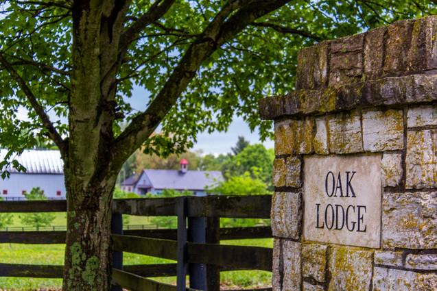 Entrance to Oak Lodge USA