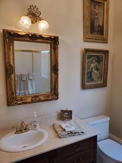 Laurel Cottage Bathroom