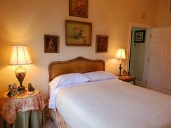 Bedroom in Laurel