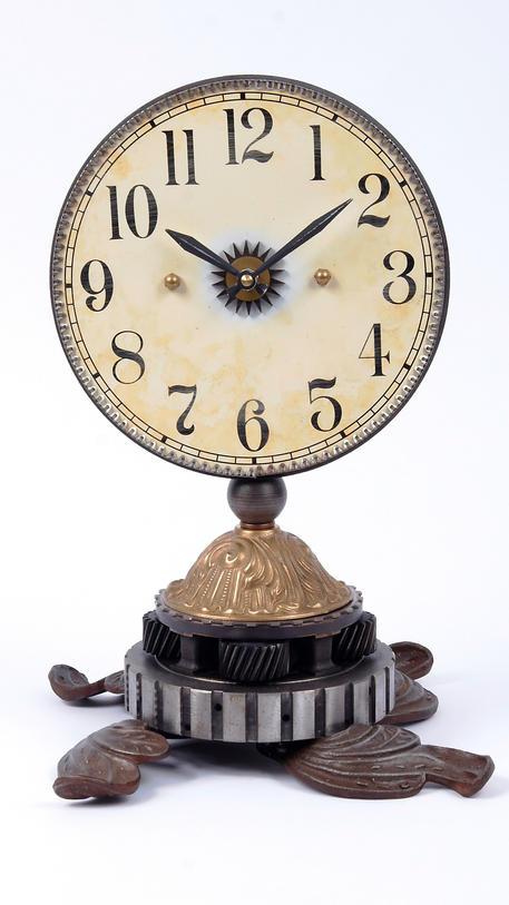Saloon Clock