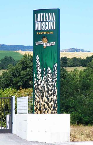 LUCIANA MOSCONI PASTIFICIO.jpg