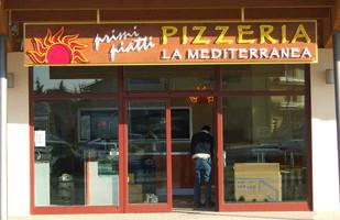 PIZZERIA LA MEDITERRANEA - NEON A VISTA.