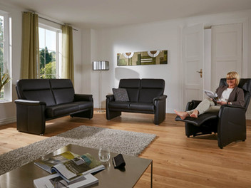 Multiform_-2,5+2+-TV-Comfort-mit-Model-u