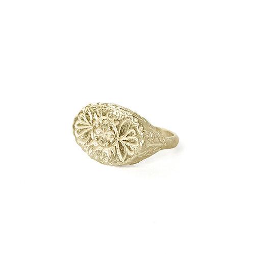 Clova Signet Ring