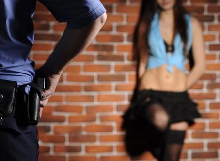 NYPD arresta a uno de sus agentes que cobraba sexo a prostitutas ilegales para no deportarlas