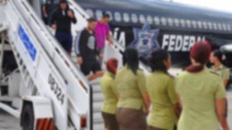 cropped-cubanos-son-deportados-desde-mex