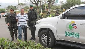 Coyote colombiano detenido con cinco ilegales en Palmira